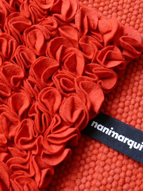 martinazua-martin-red-carpet-rug-flower-rose-felt-nanimarquina