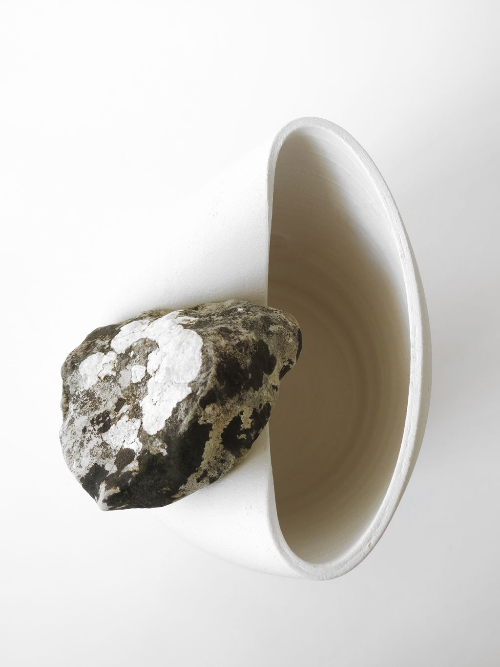 vase-for-live-stones-numbered-martin-azua-02