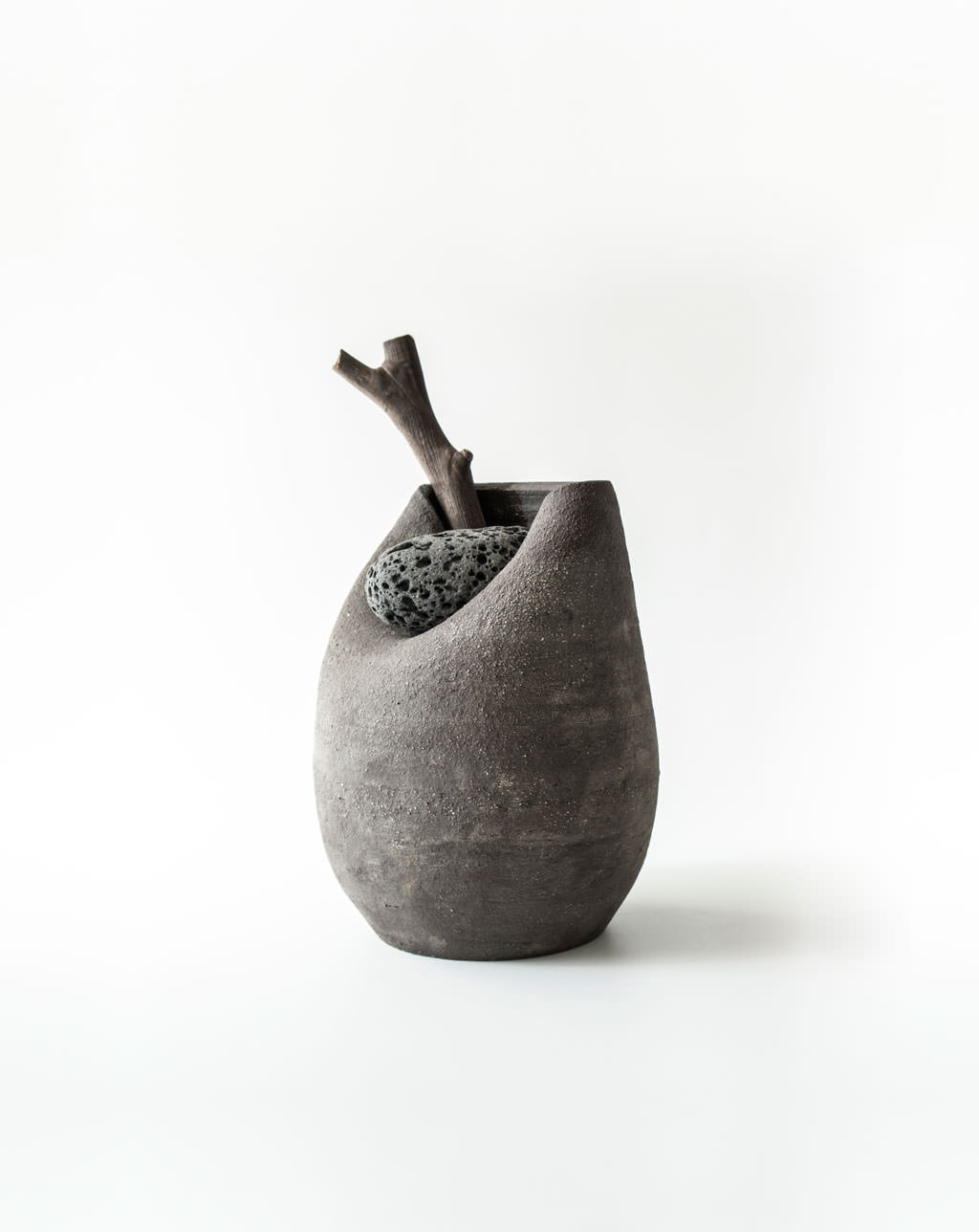 vase-with-stone-numbered-martin-azua_wide